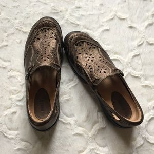 Earth Shoes Woodland Loafer Slip On